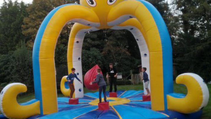 Octopus Game – Swing him off